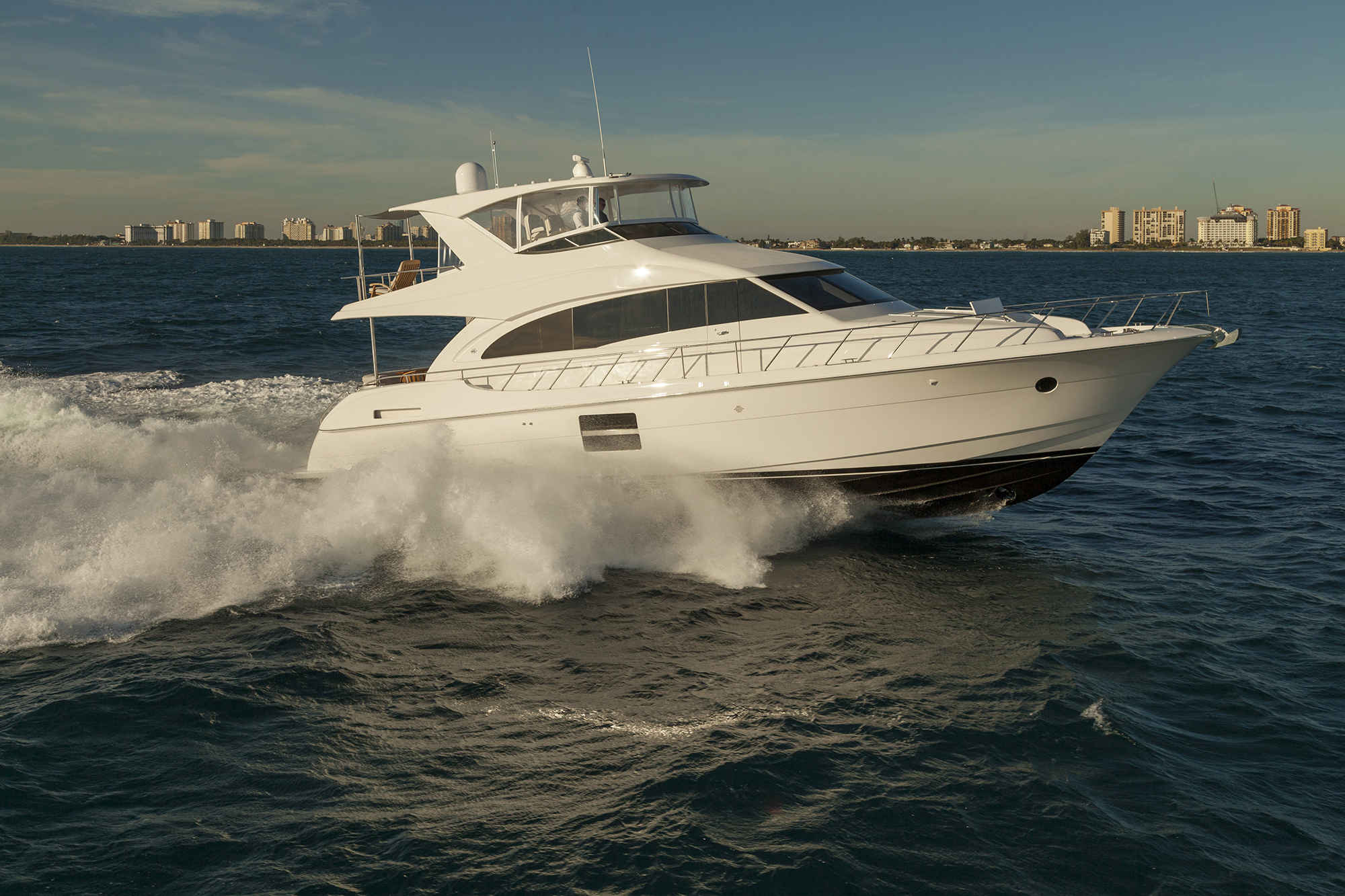 hatteras  motor yacht underwater lights usa