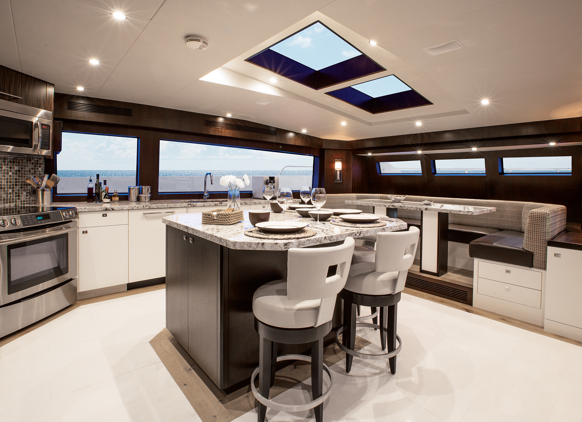 100 Raised Pilothouse Hatteras Motor Yacht