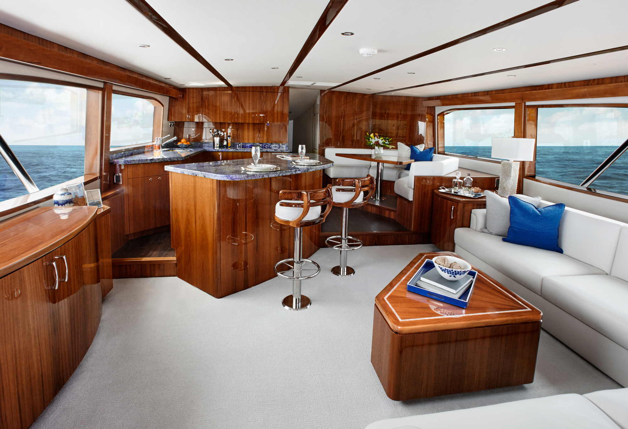 Hatteras yachts gt70 convertible sportfishing yacht for Hatteras 70 motor yacht